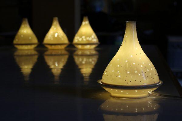 מנורת פורצלן