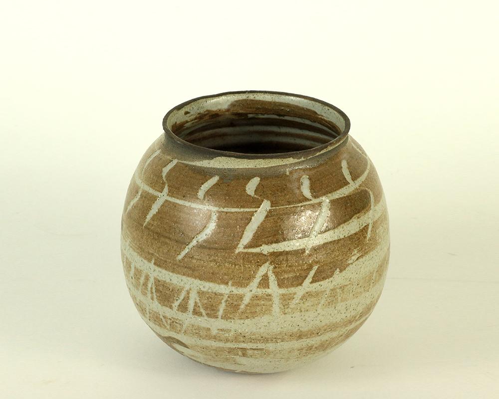 Ceramic-vase-(7)